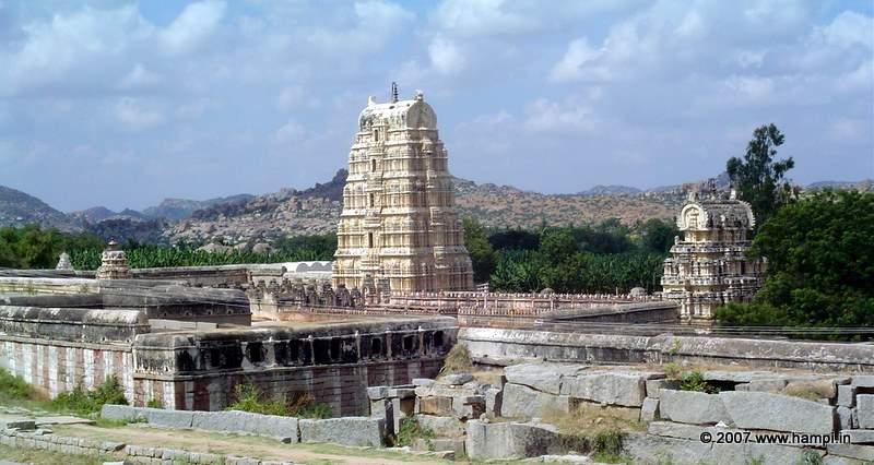 virupaksha-tower-hampi