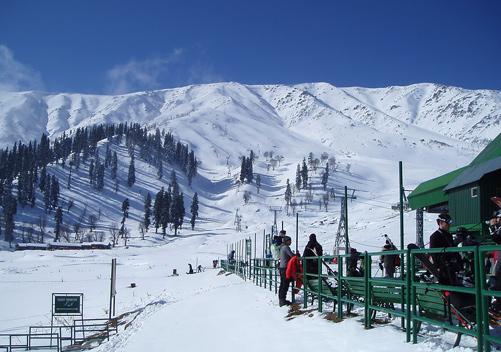 Skiing-gulmarg-kashmir