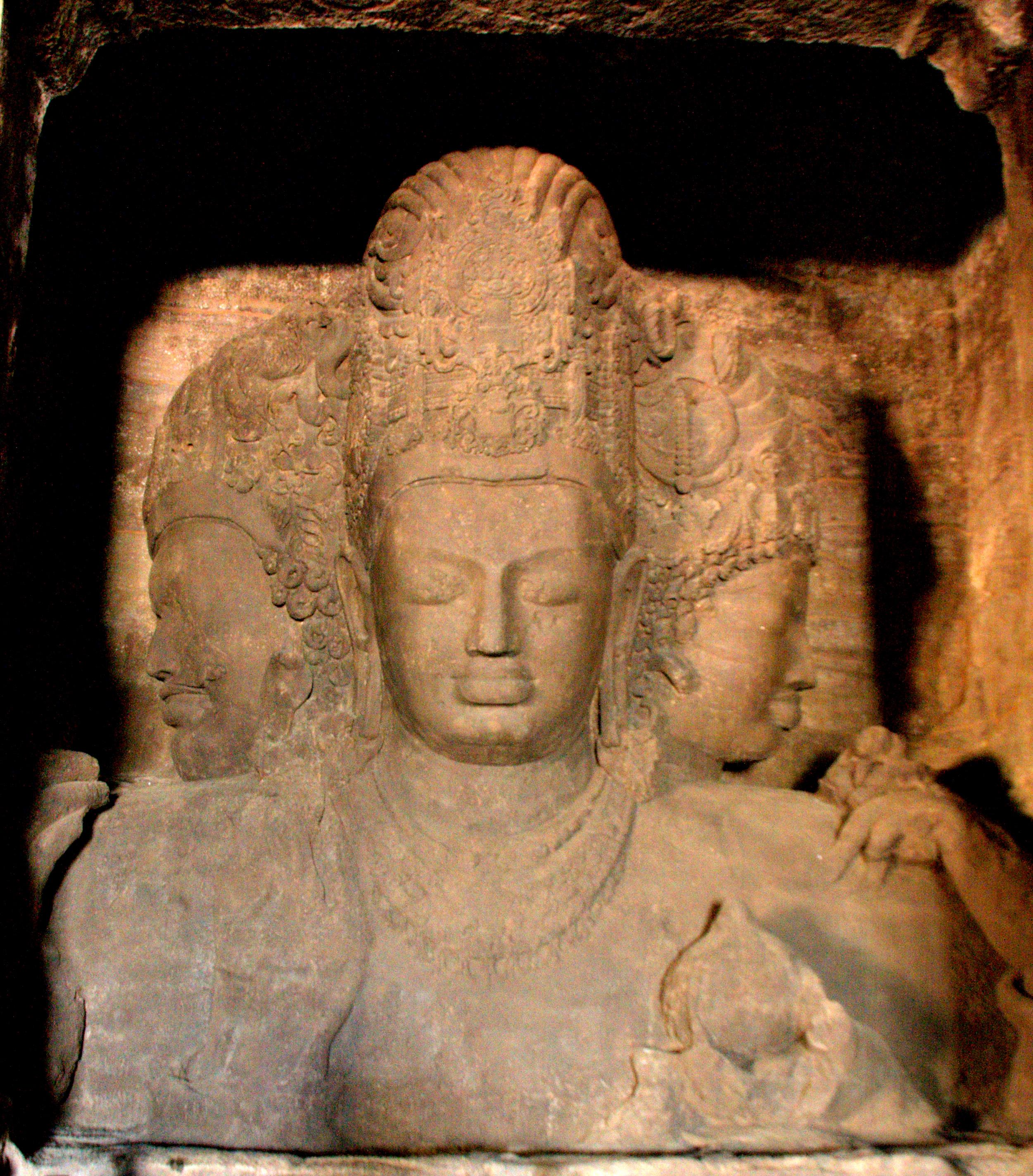Elephanta_Caves_Mahesh_Murthi
