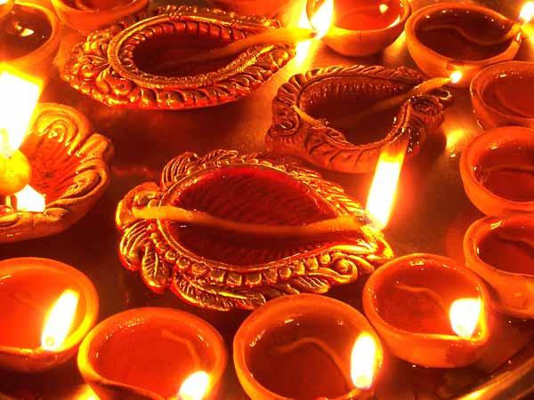 diyas-diwali-celebrations