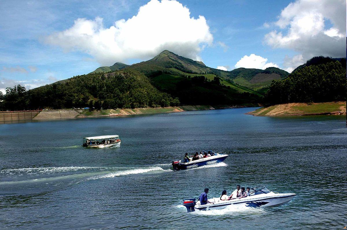 Boating in the Periyar lake at Thekkady